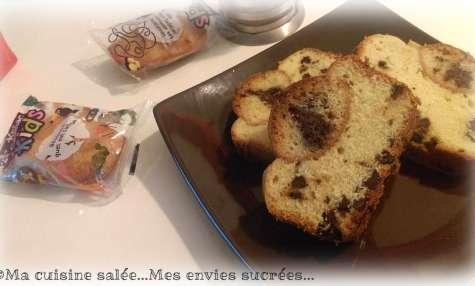 Cake aux pépites de chocolat et ses madeleines au cœur chocolat