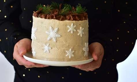 Layer cake au chocolat, poire et crème de marron