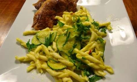 Pâtes au safran, courgettes et parmesan