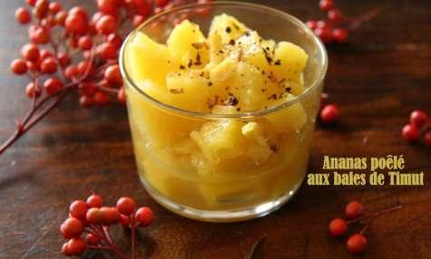 Ananas poêlé à l'huile de coco et aux baies de Timut