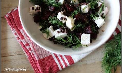 Salade de lentilles beluga à la feta, betterave et aneth