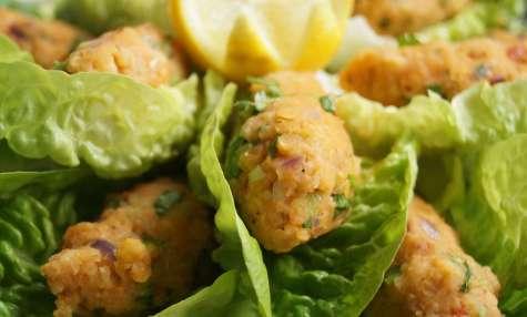 Mercimek koftesi - boulettes turques de lentilles corail et boulgour