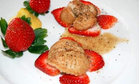Testicules de dindon sur carpaccio de fraises
