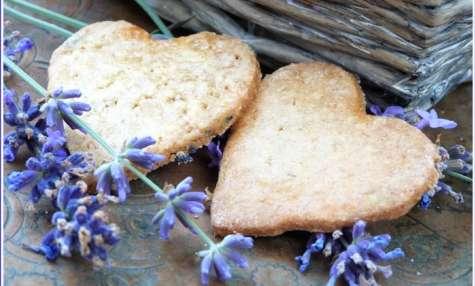 Petits coeurs sablés à la lavande et fleur d'oranger