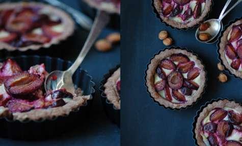 Tartelettes aux prunes & pâte brisée au chocolat