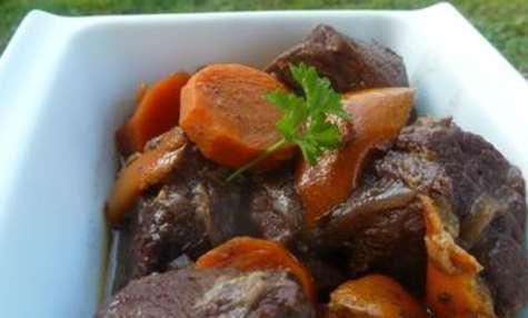 Mitonnée de boeuf aux carottes et aux oranges
