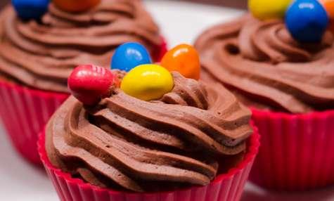 Cupcakes au beurre de cacahuètes et topping au chocolat
