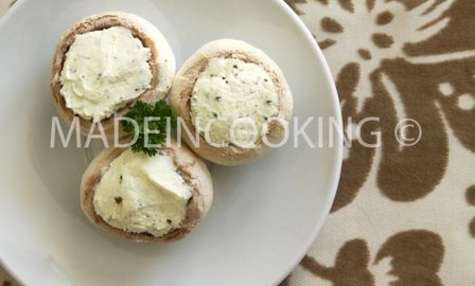 Champignons farcis au fromage blanc fines herbes