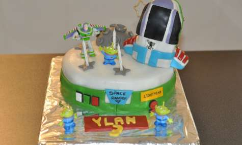 Buzz l'éclair, le gâteau.