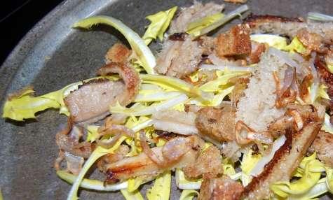 Salade de pissenlits blancs au gras double