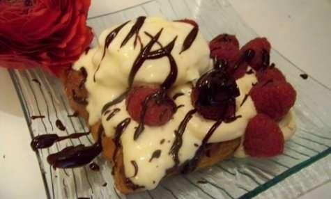 Brioche perdue glace caramel au beurre salé, sauce onctueuse au chocolat noir