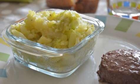 Purée de pommes de terre, chou vert et poireaux