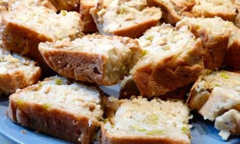 Cake végétalien salé au tofu fumé et olives