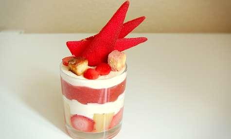 Verrine de compote de rhubarbe et fraise