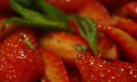 Salade de fraise menthe vinaigre balsamique