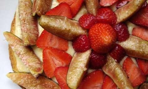 Tarte pâtissière figues et fraises