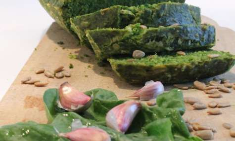 Cake au pesto d'épinard et tournesol