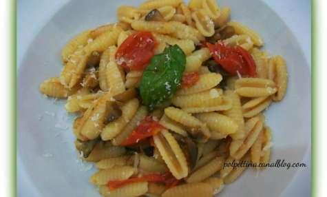 Gnocchetti sardi, aubergines et tomates cerises