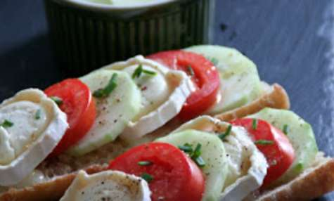Tartines Chèvres Tomates et Concombre