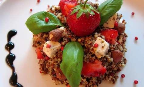 Salade de quinoa, fraises et feta avec sa sauce balsamique