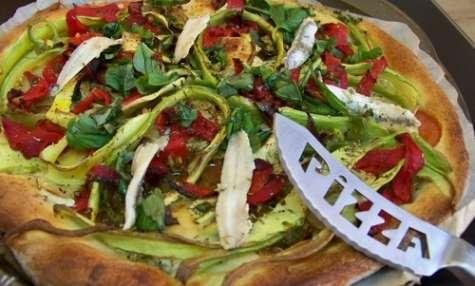 Pizza courgette chèvre tomates fraîches