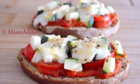 Tartines Estivales Sauce Tomates Cerises et Parmesan