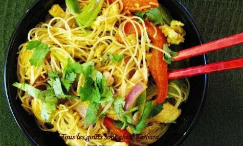 Nouilles Singapour au poulet et aux légumes