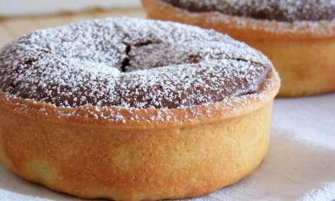 Tartelette fondant au chocolat sur lit de pâte de spéculoos