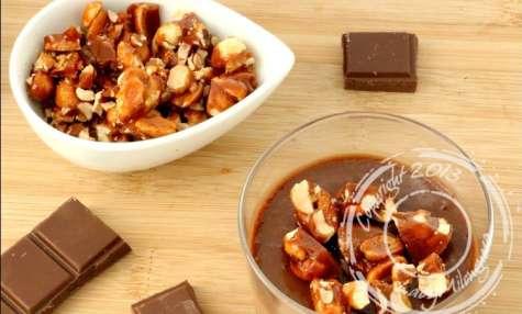 Crèmes au chocolat au lait et cacahuètes