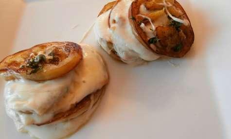 Aubergine blanche, mozzarella, basilic à petites feuilles