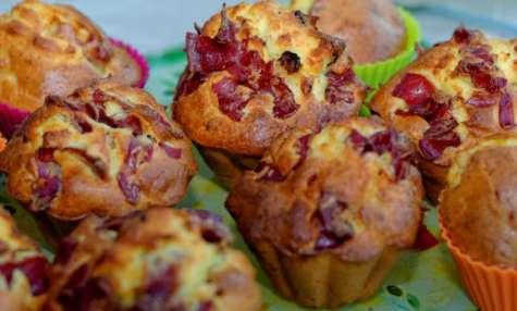 Muffins à la coppa et au thym, aux lardons et chèvre