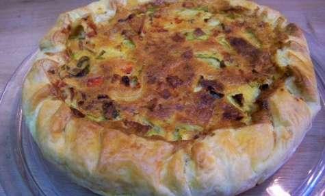Quiche basque à la ventrèche, fromage basque et piment d'Espelette