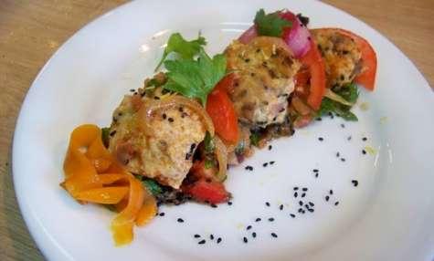 Boulettes de poulet à la nigelle, zaalouk d'aubergines de Fatema Hal