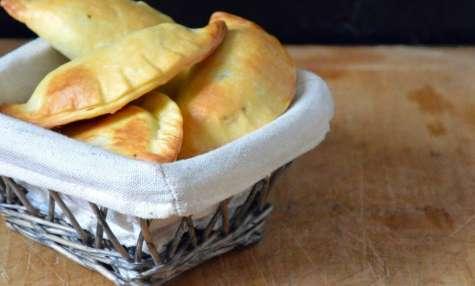 Petits pâtés de Viande aux Feuilles de Blettes et Épices de Noël