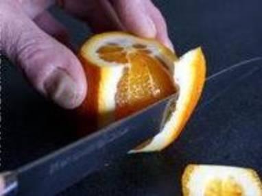 Peler une orange à vif - Etape 5