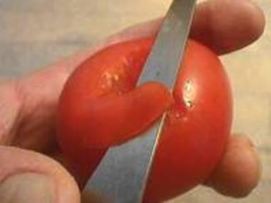 Roses en peaux de tomates - Etape 2