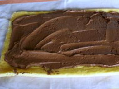 Bûche de Noel au chocolat : former la bûche - Etape 6