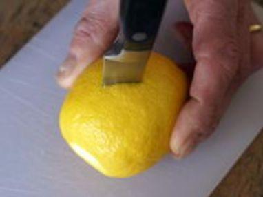 Historier un citron en dents de loup - Etape 2