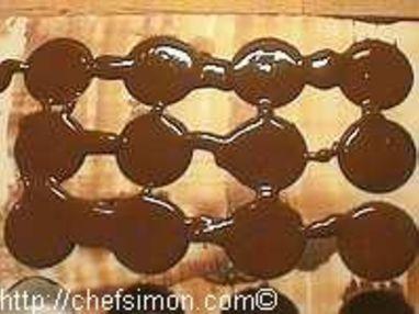 Moulage des chocolats fourrés - Etape 4
