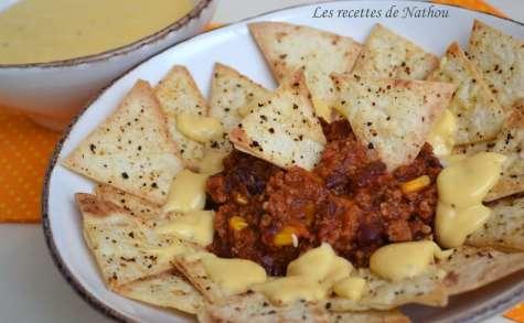 Nachos sauce cheddar et chili con carne