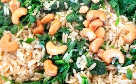 Riz pilaf aux épinards et noix de cajou