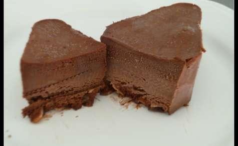 Mousse au chocolat glacée aux amandes caramélisées