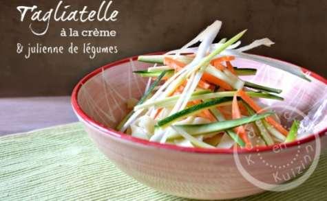 Tagliatelle à la crème fraiche et julienne de légumes crus