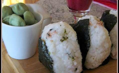 Nigorizaké sakura et onigiri au thon