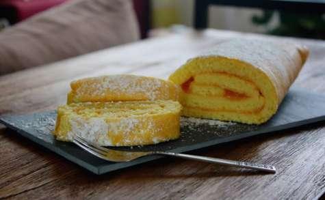 Biscuit roulé à la confiture d'abricots et sirop de litchi