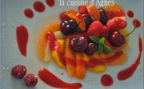 salade de fruits frais pochés au coulis de framboises