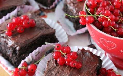 Brownie au chocolat noir et aux groseilles
