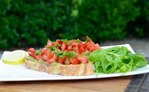 Tartines mexicaines avocat tomates