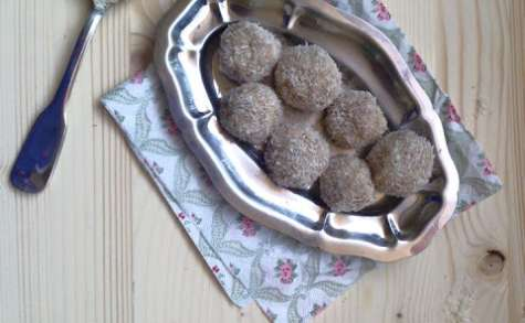 Boules de coco comme des raffaellos