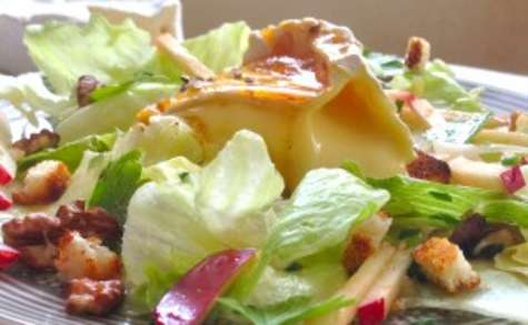 Salade normande pommes camembert